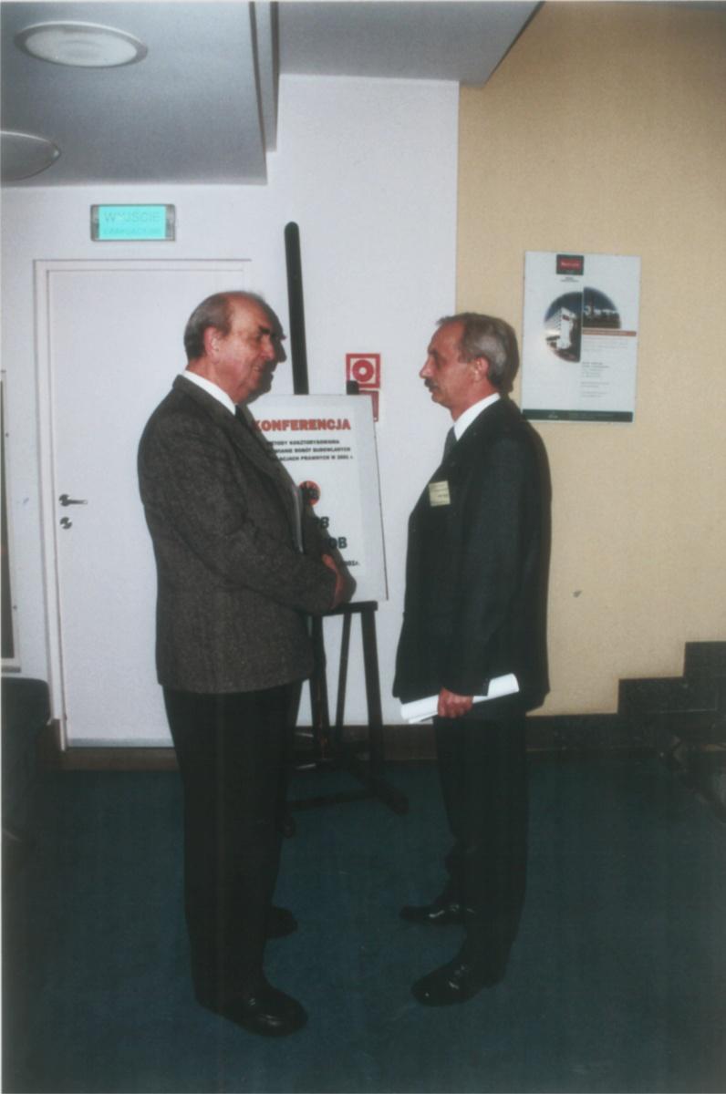 skb2001-002